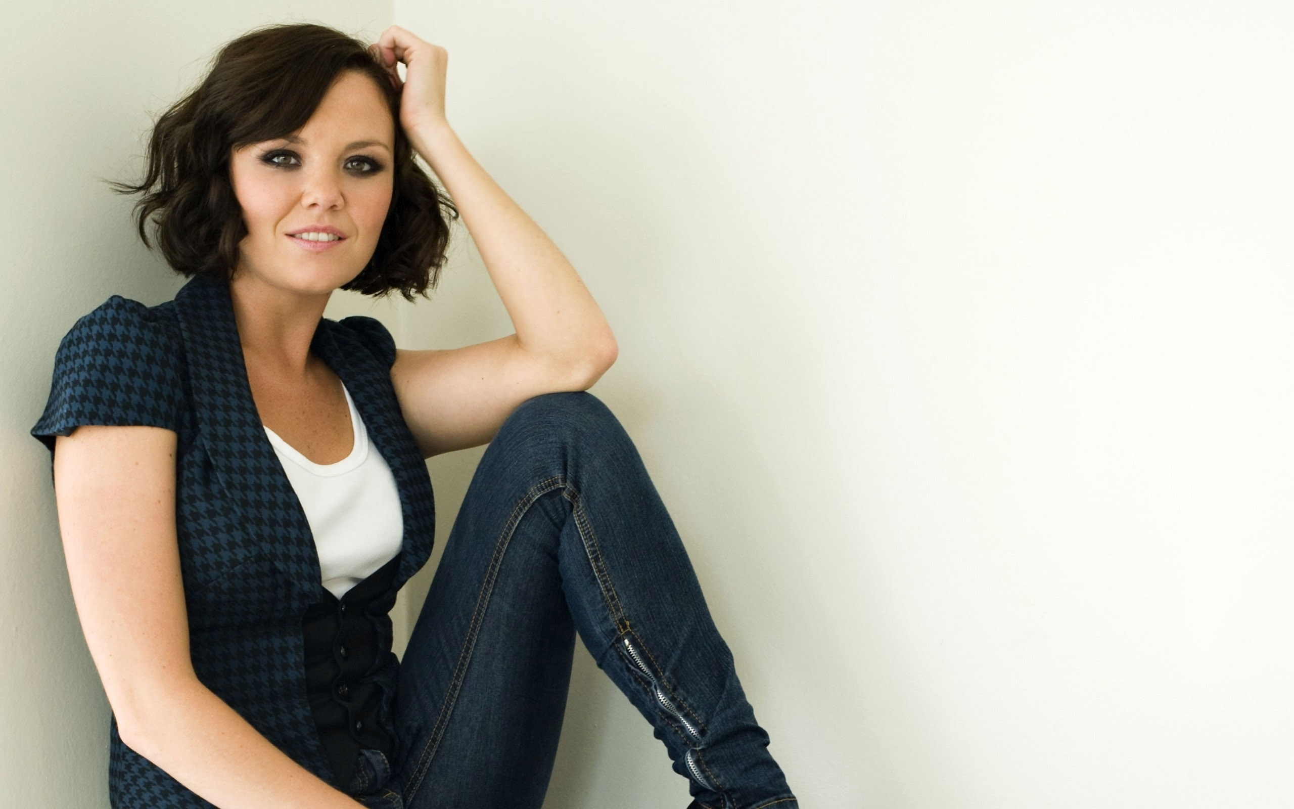 Charlie Brooks Pictures
