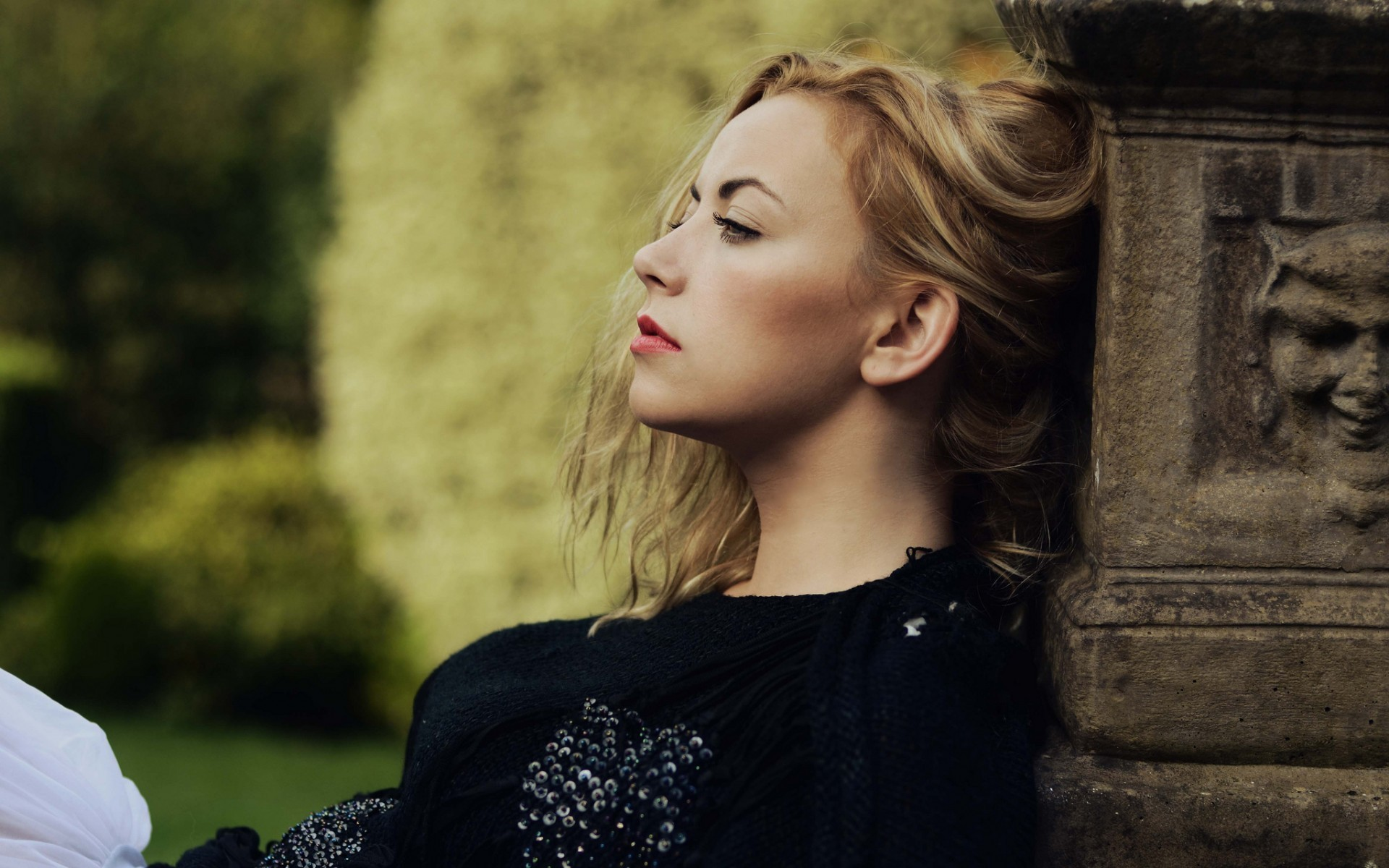 Charlotte Church Hd Wallpaper