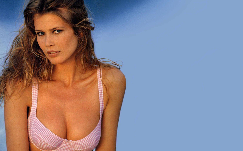 Claudia sexy Claudia Schiffer