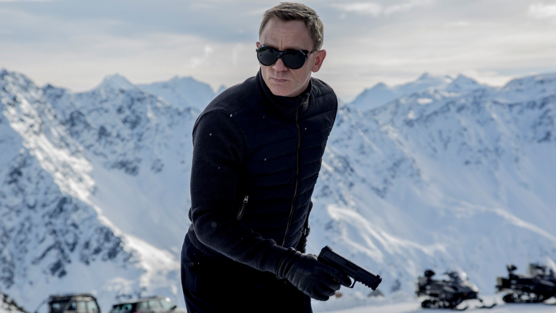 Daniel Craig Hd Background