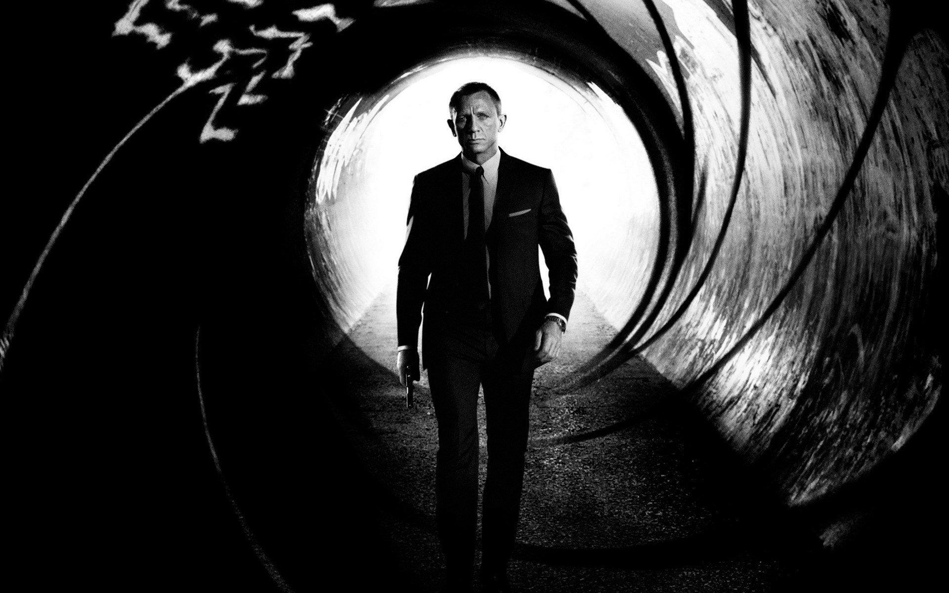 Daniel Craig High Definition Wallpapers