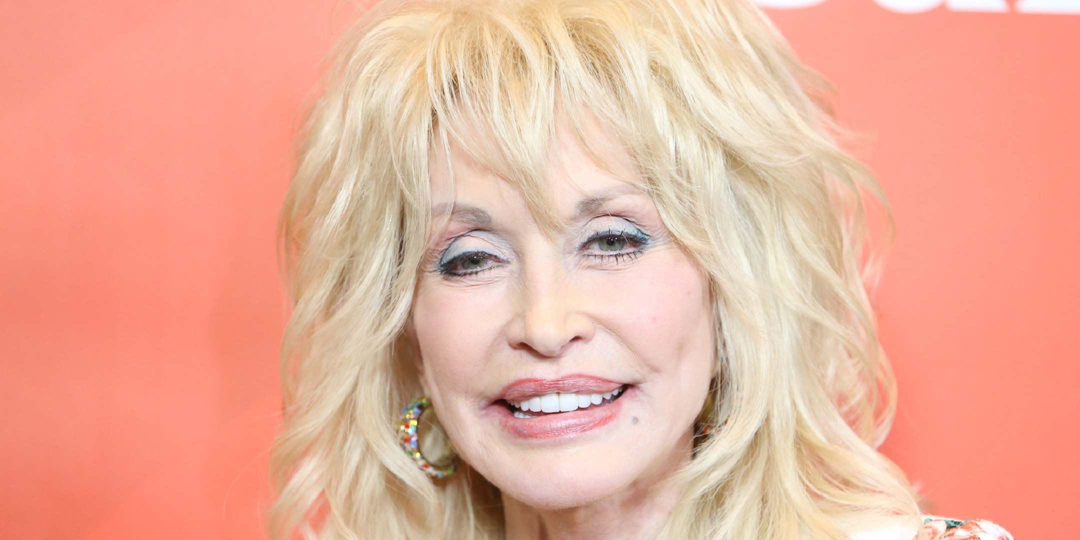 Dolly Parton Desktop Wallpaper