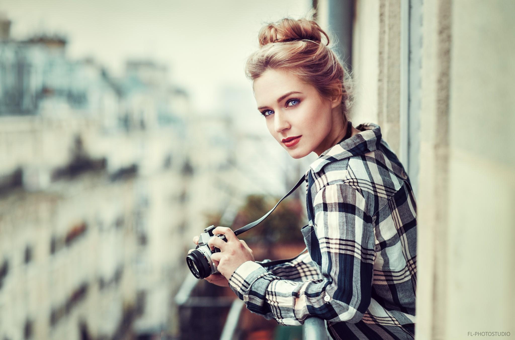Eva Mikulski Photos