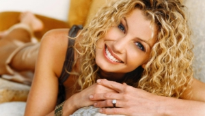 Faith Hill Desktop