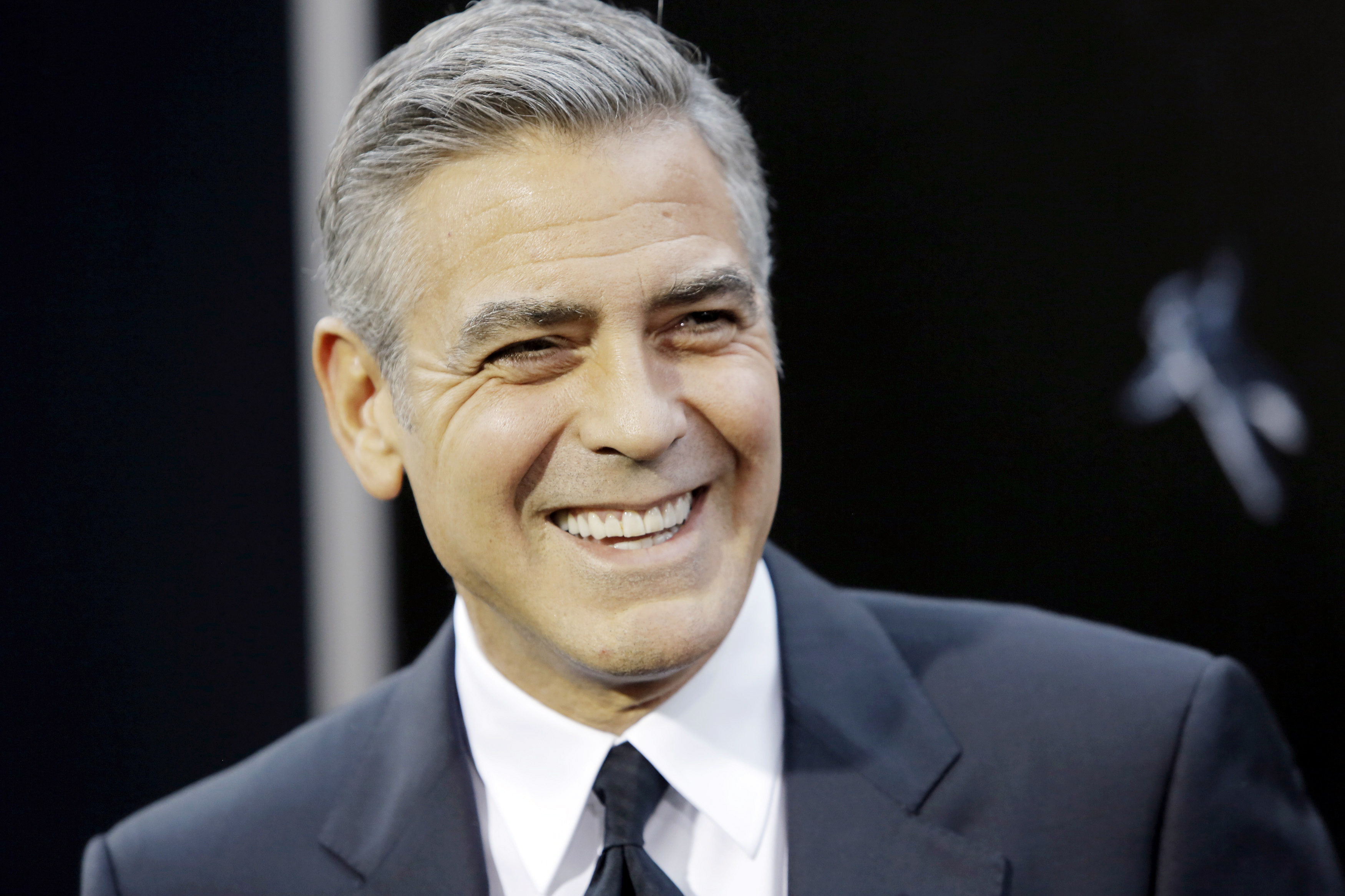George Clooney Hd Background