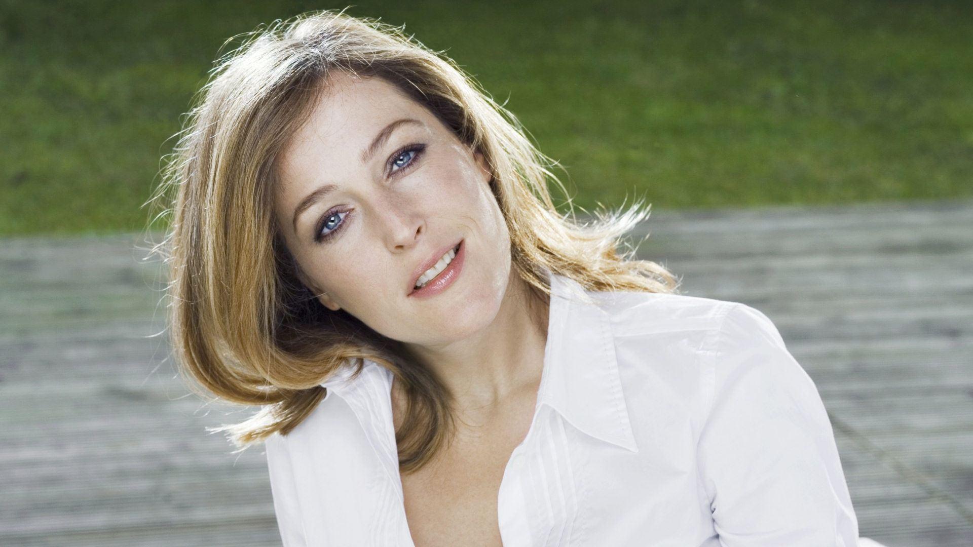 Gillian Anderson Wallpapers Hd