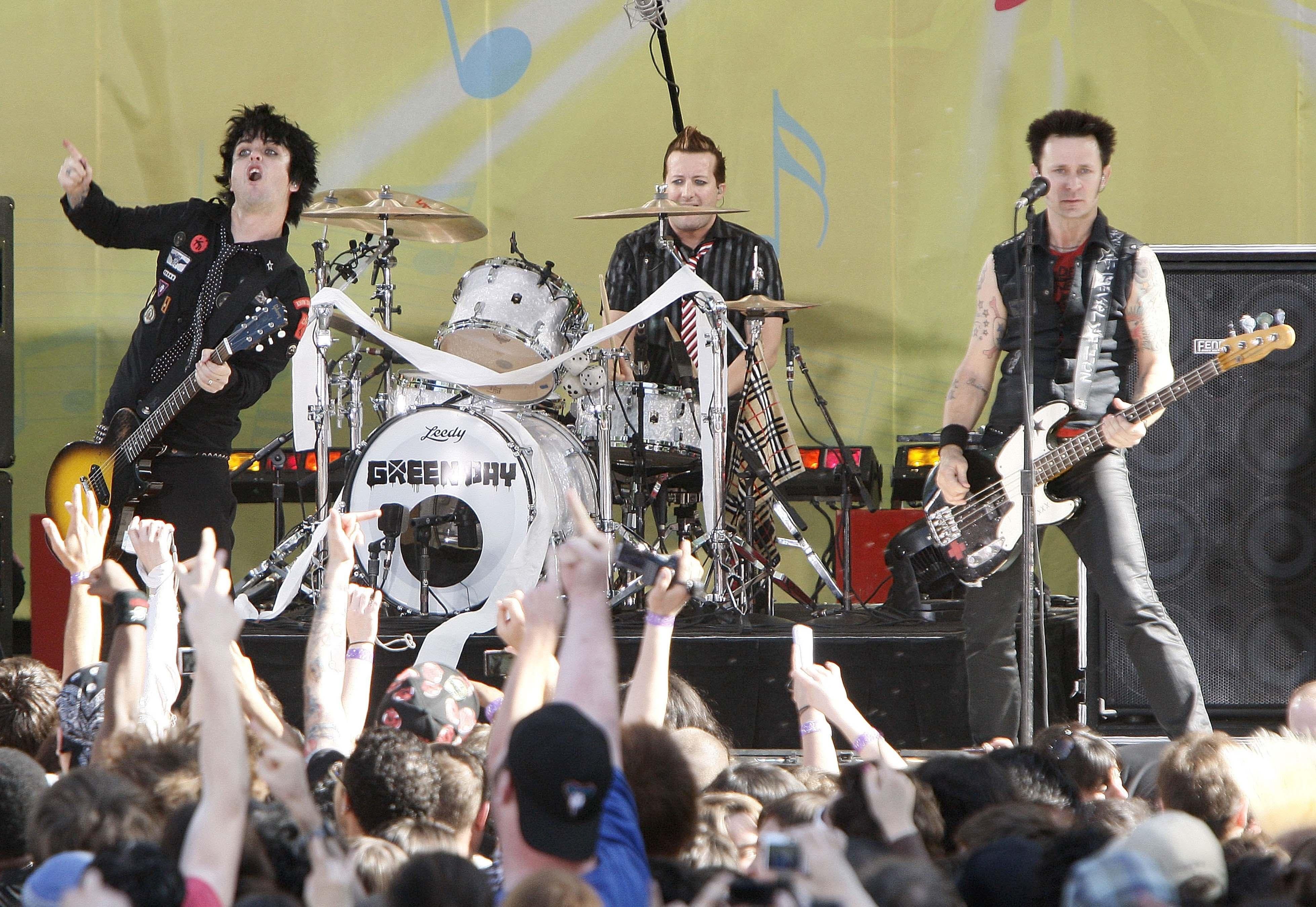 Green Day For Desktop