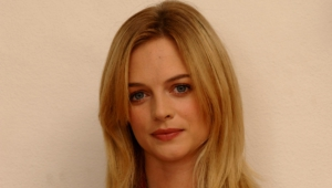 Heather Graham Hd Wallpaper