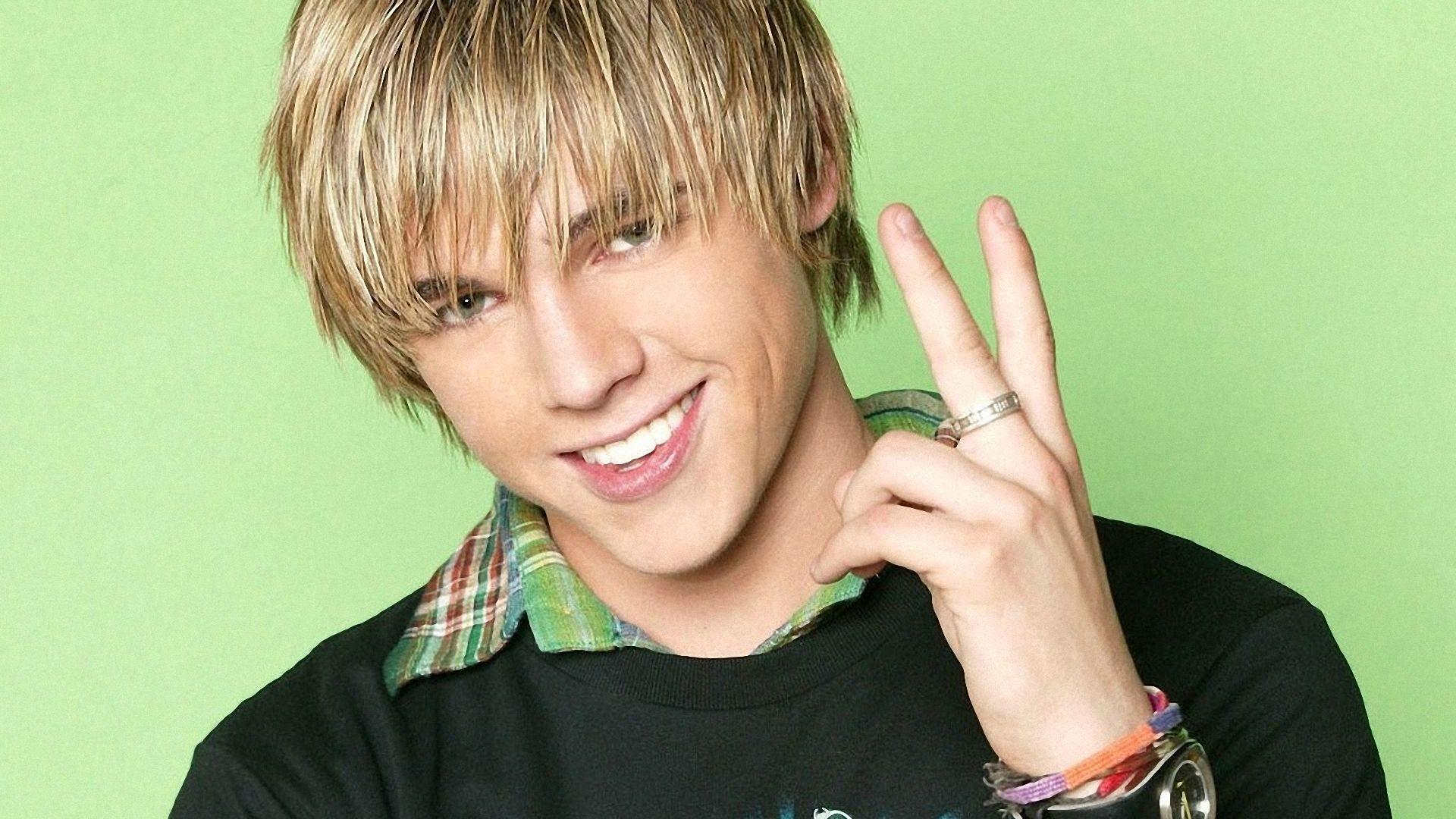 Красивая картинка мальчика блондина