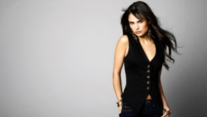 Jordana Brewster Background