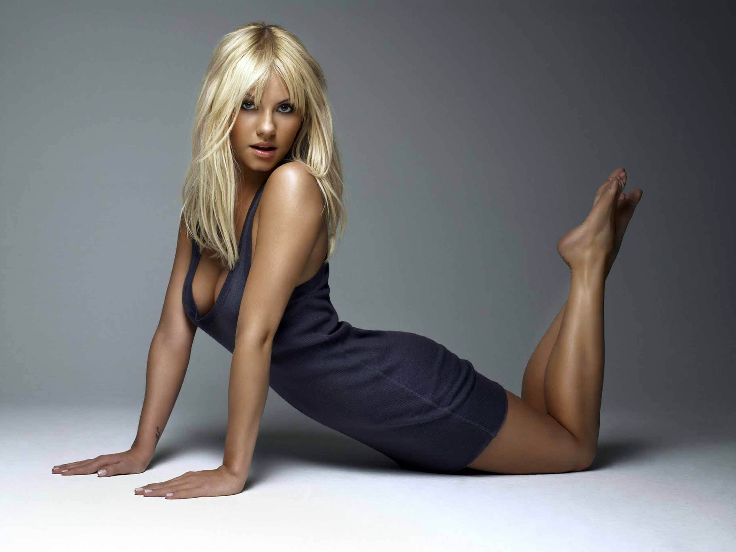 Kaley Cuoco High Quality Wallpapers