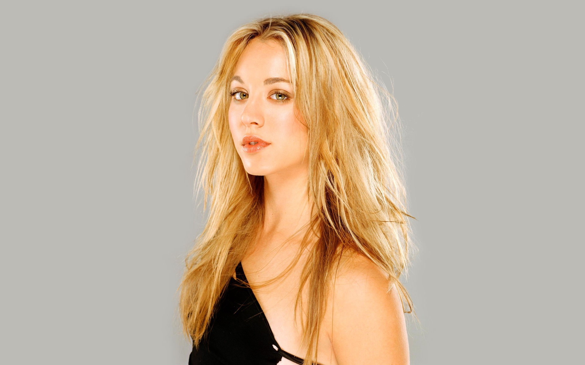 Kaley Cuoco Images