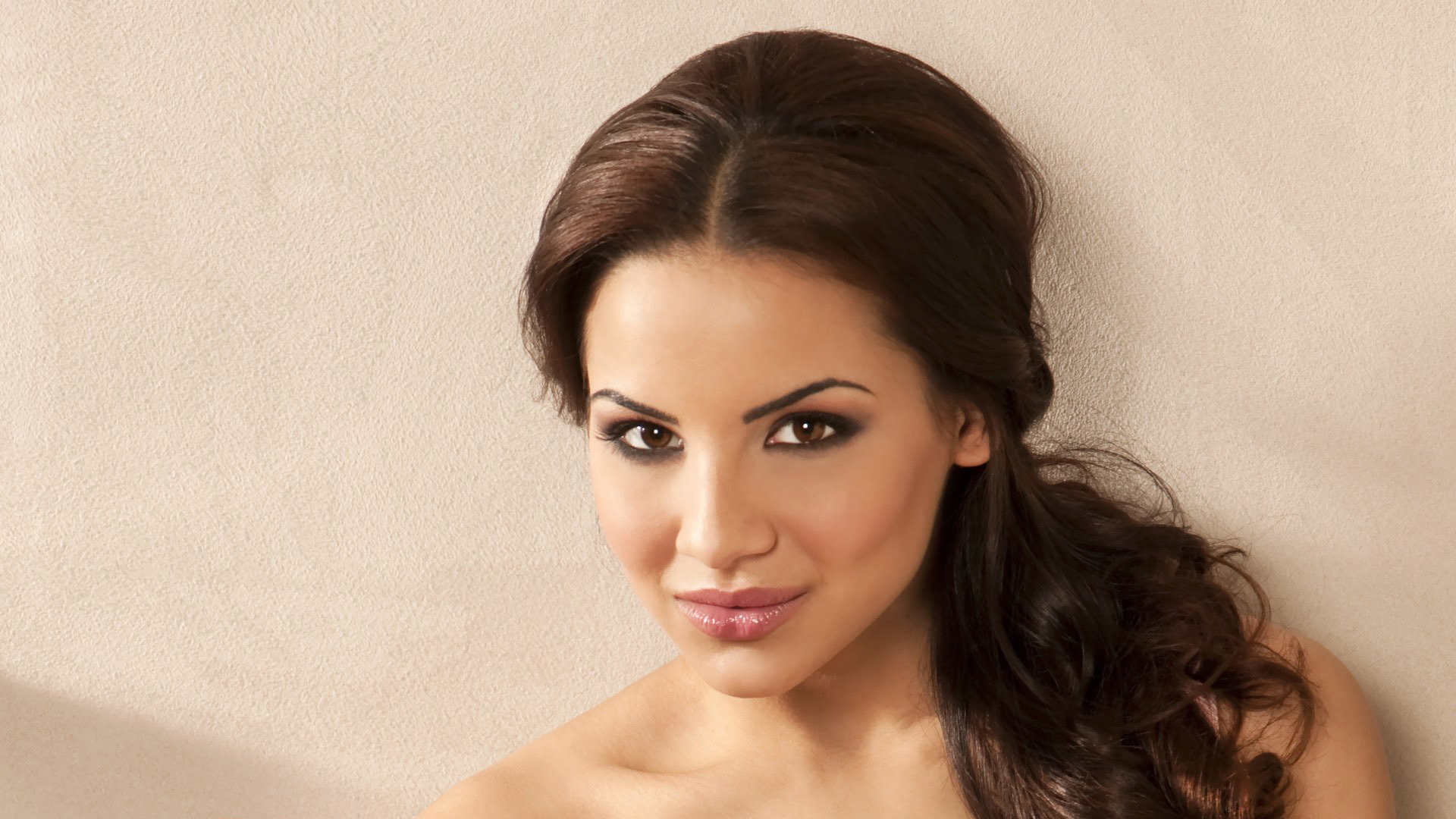 Lacey Banghard High Definition Wallpapers