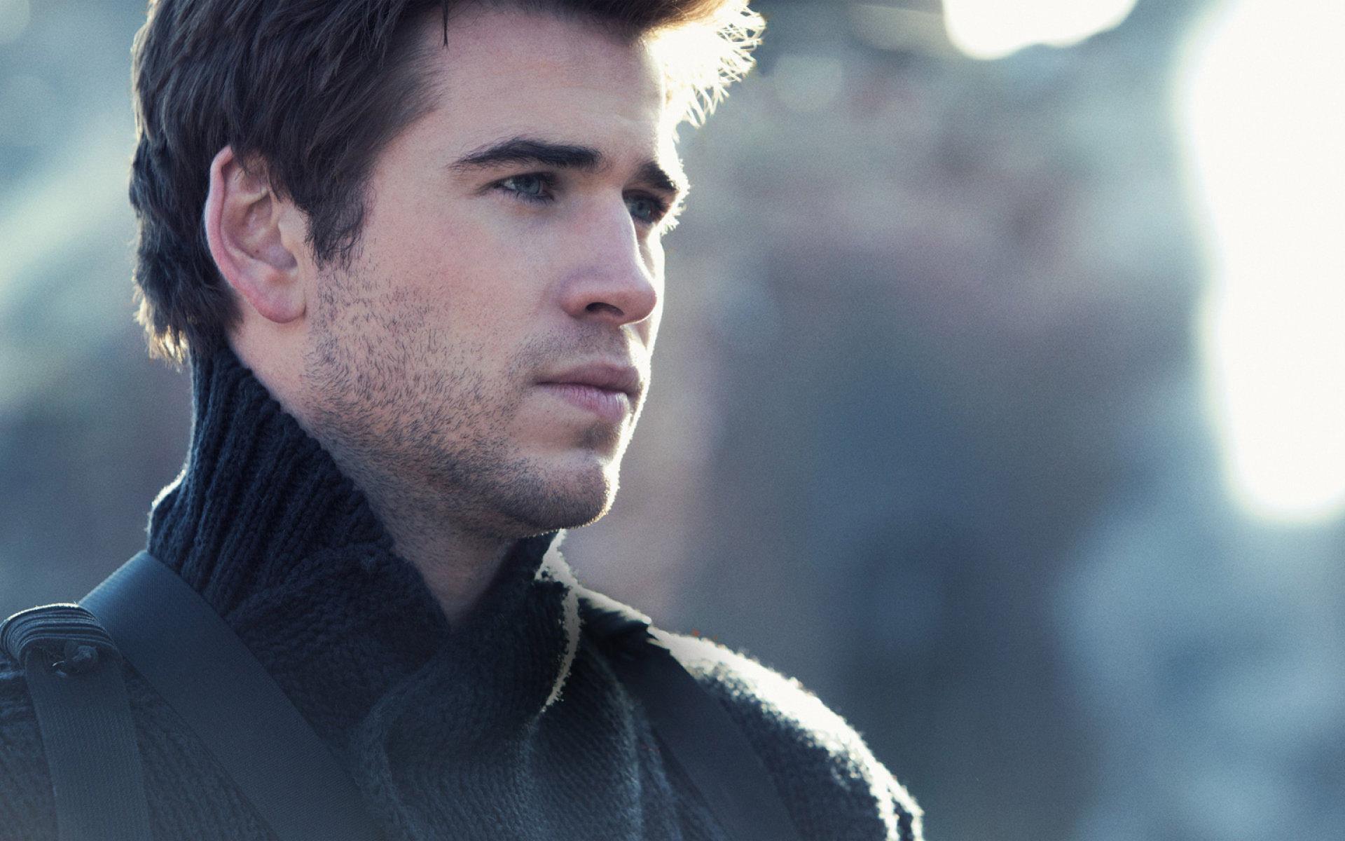 Liam Hemsworth Wallpaper