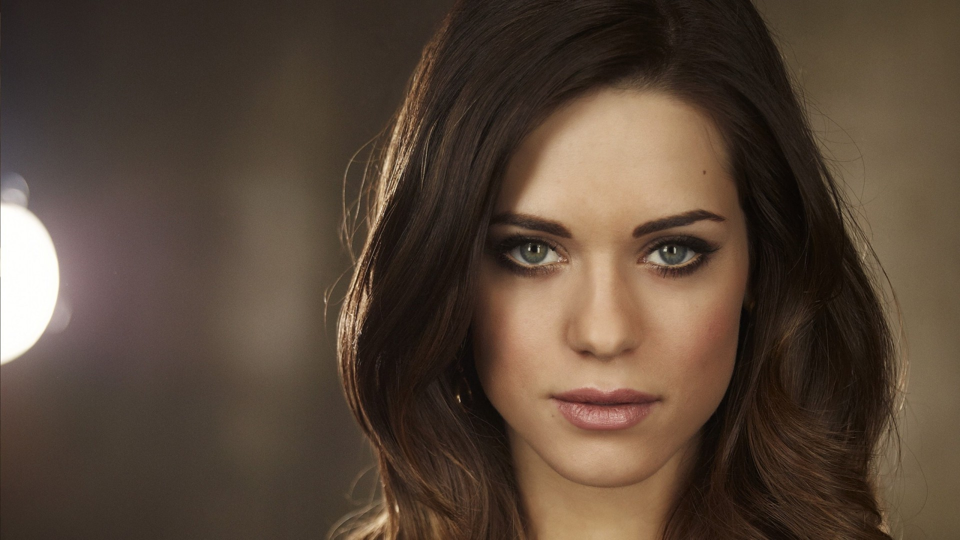 Lyndsy Fonseca Wallpapers Images Photos Pictures Backgrounds