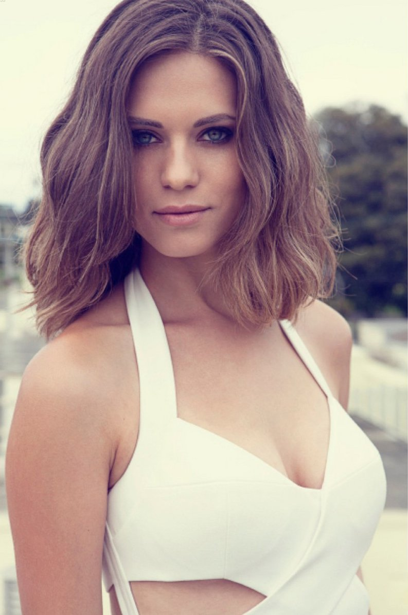 Lyndsy Fonseca Iphone Sexy Wallpapers