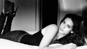 Lyndsy Fonseca Sexy Photos