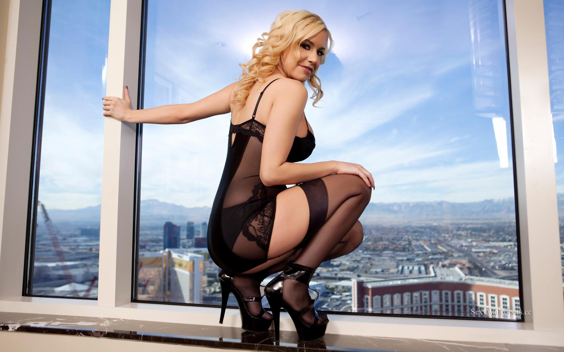 Mariah Madysinn Pictures