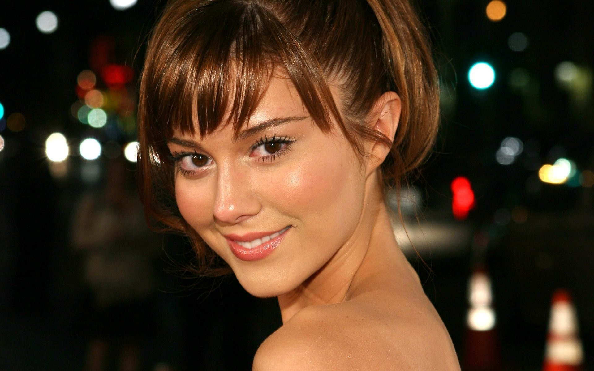 Mary Elizabeth Winstead Background