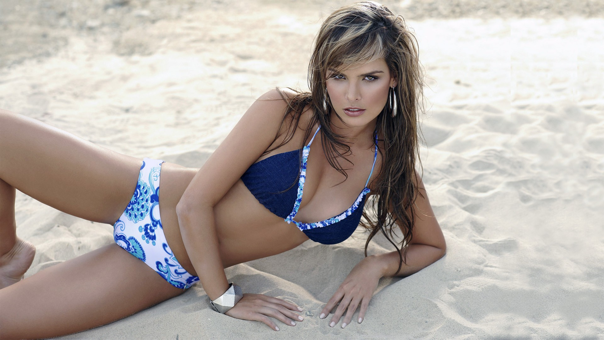 Melissa Giraldo Sexy Photos