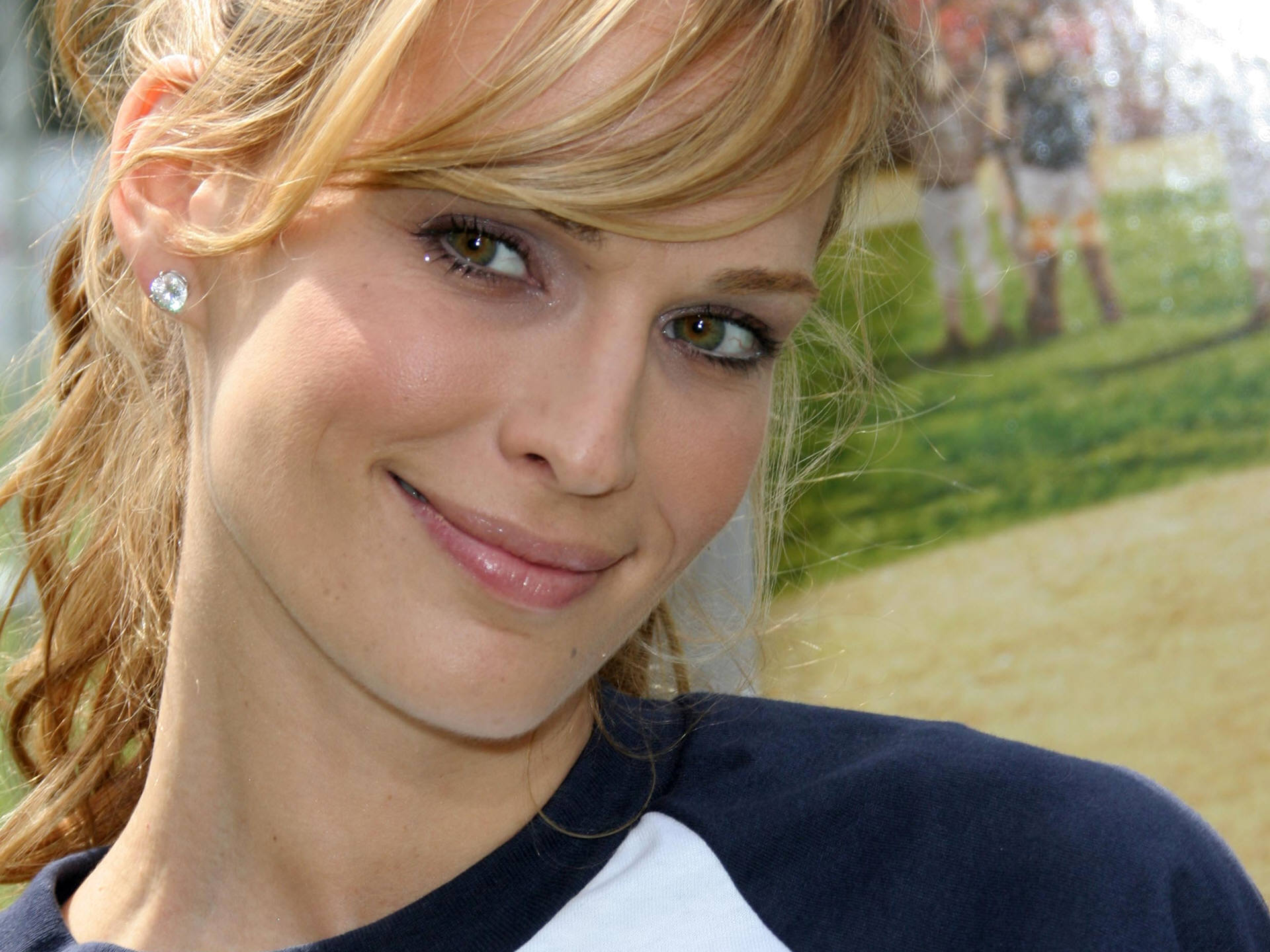 Molly Sims High Definition Wallpapers