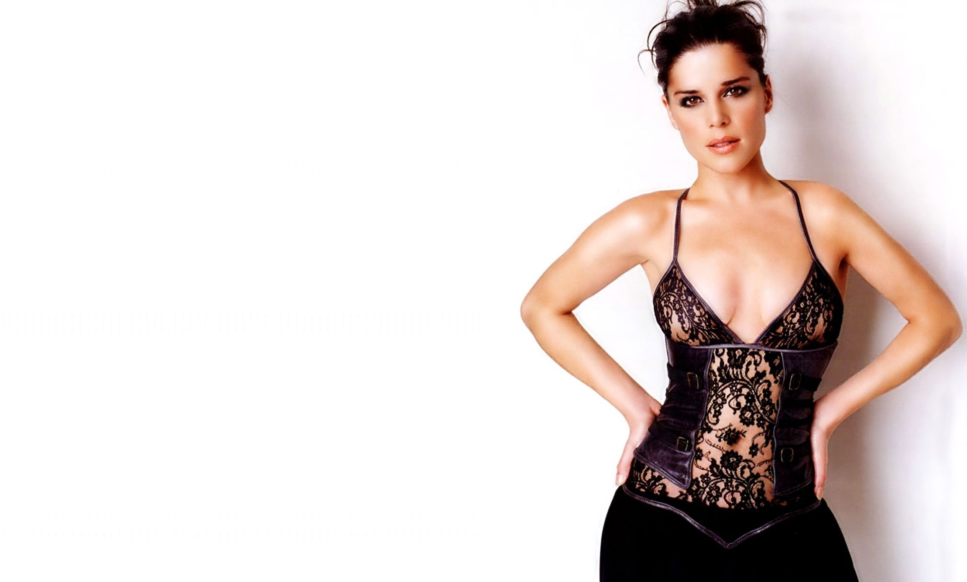 Neve Campbell Images