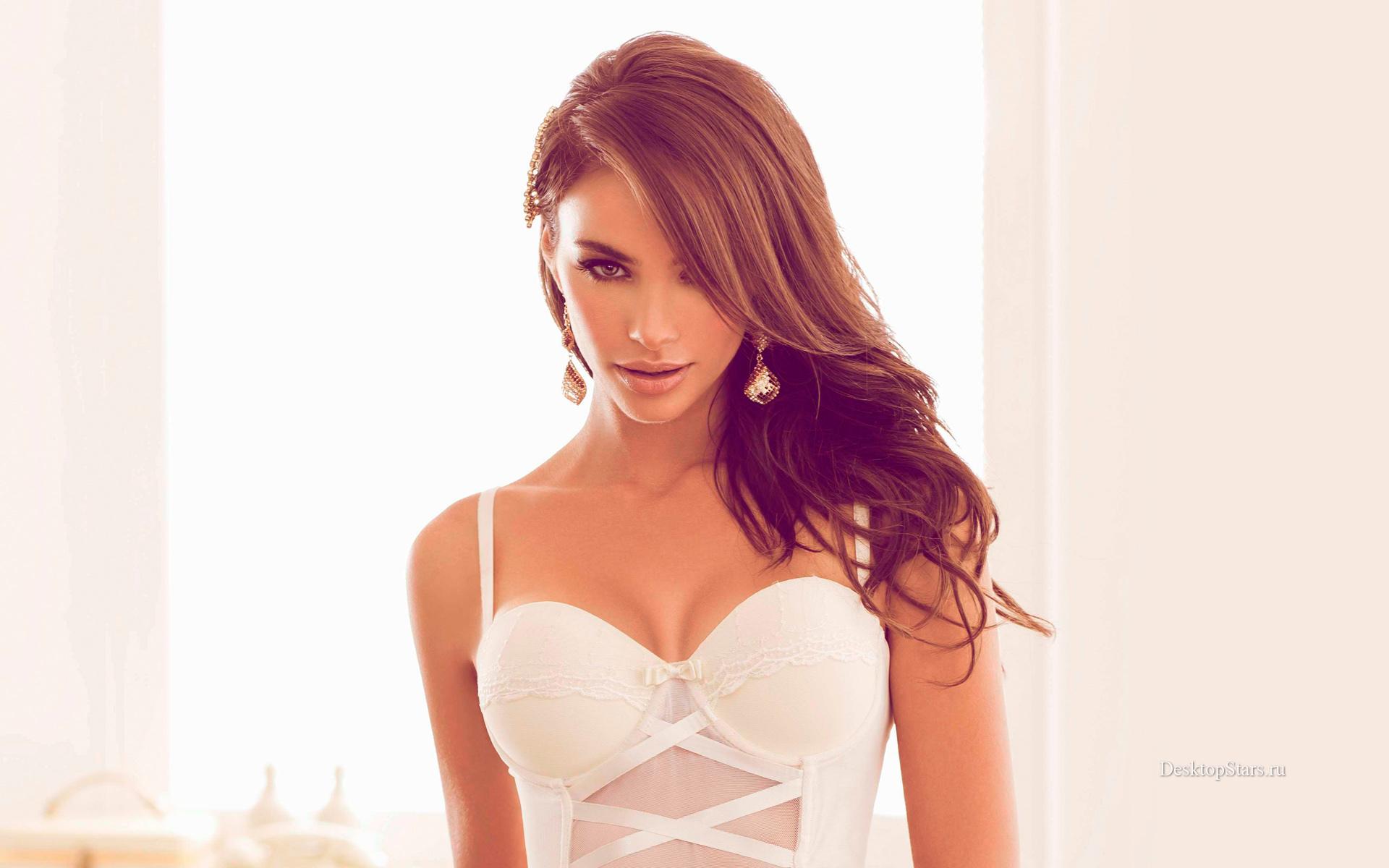 Nicole Meyer Pictures