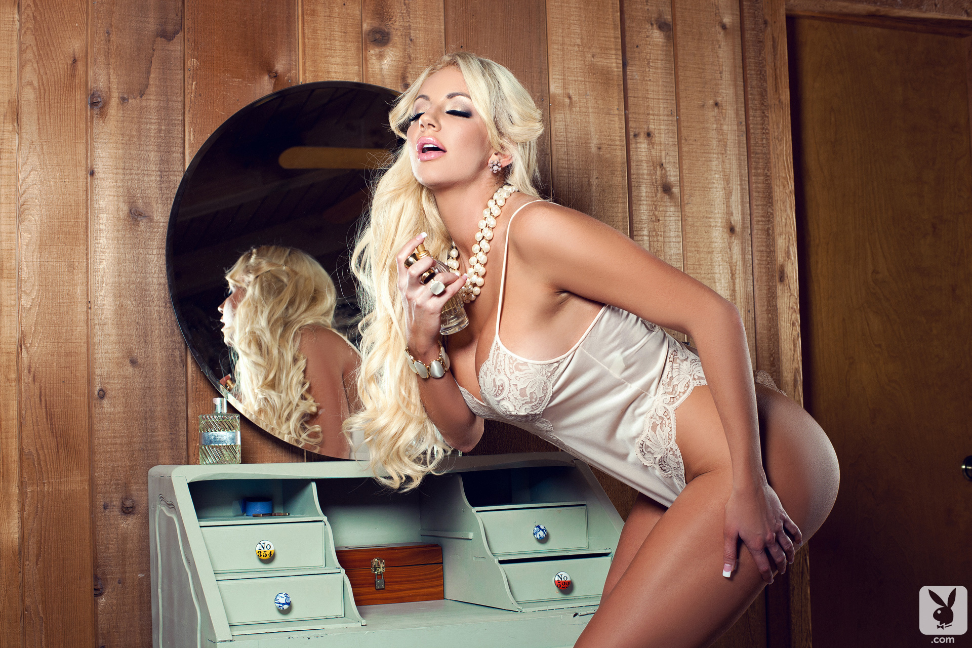 Nicolette Shea Wallpapers