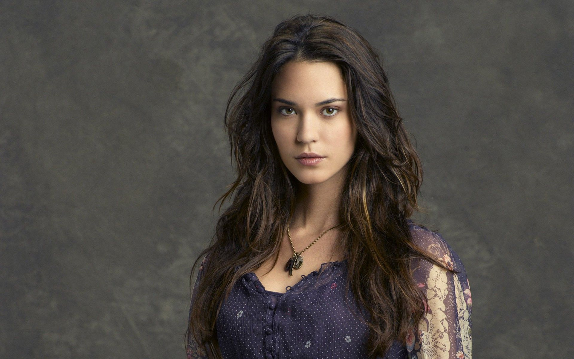 Odette Annable Pictures