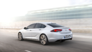 Opel Insignia Images