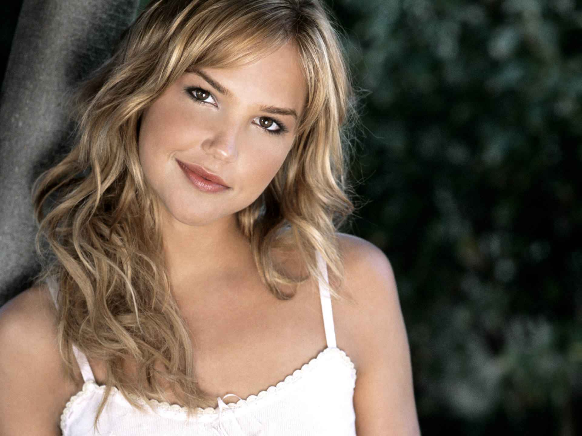 Pictures Of Arielle Kebbel