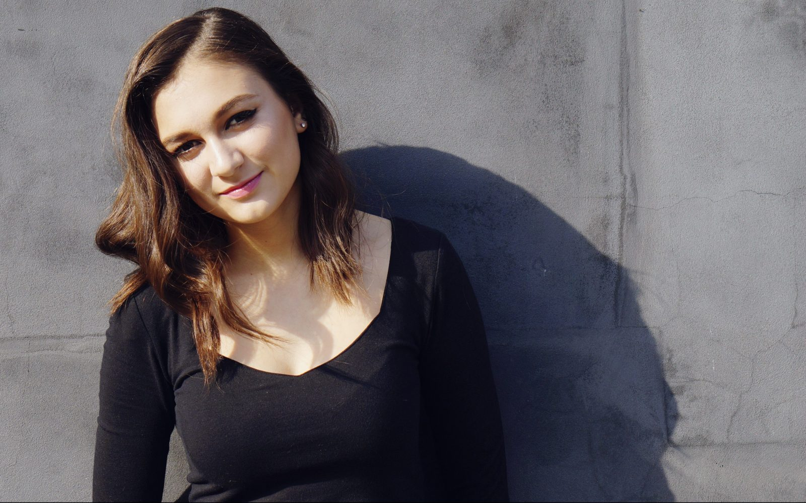 Pictures Of Daya Singer
