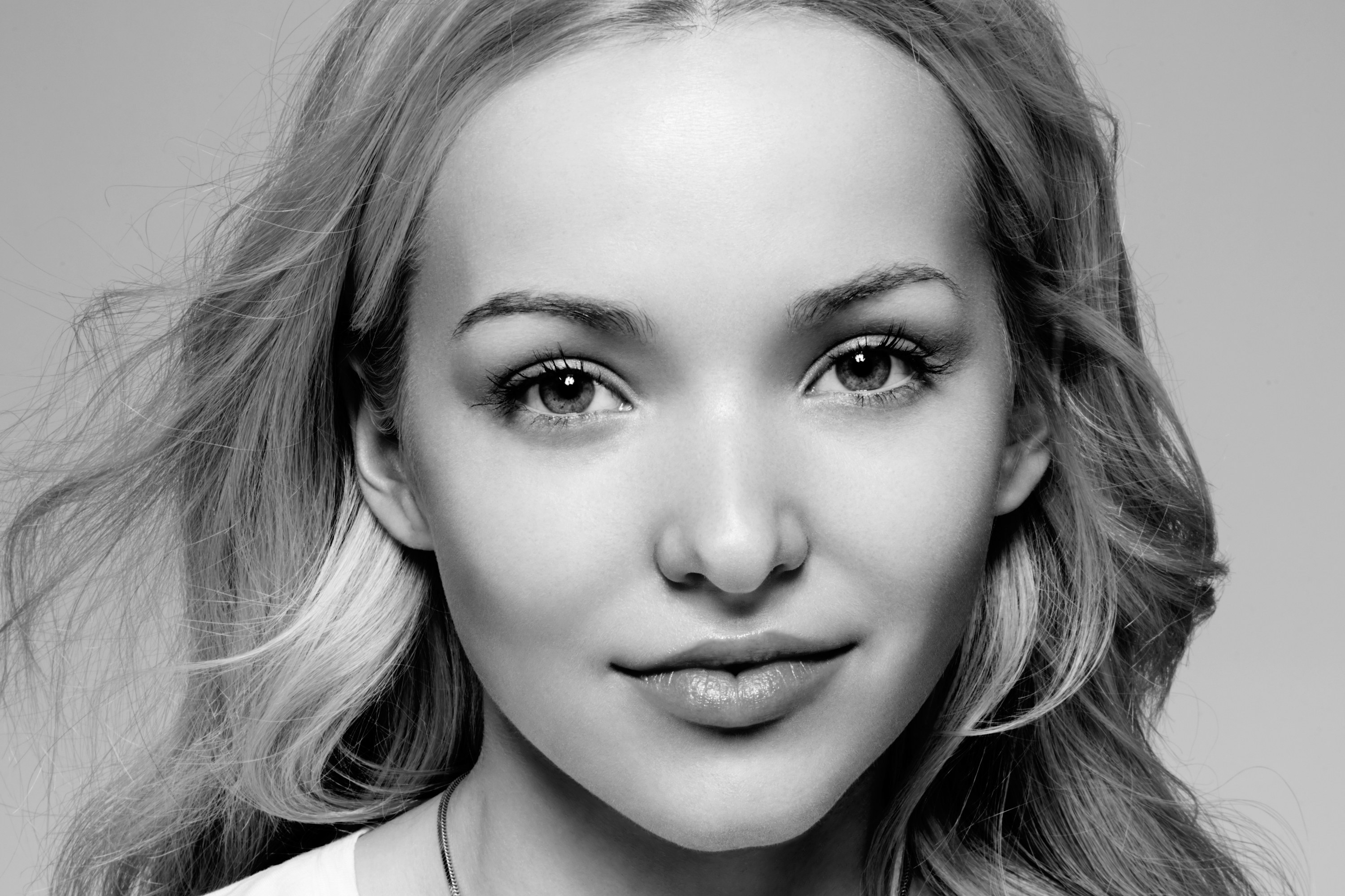 Pictures Of Dove Cameron