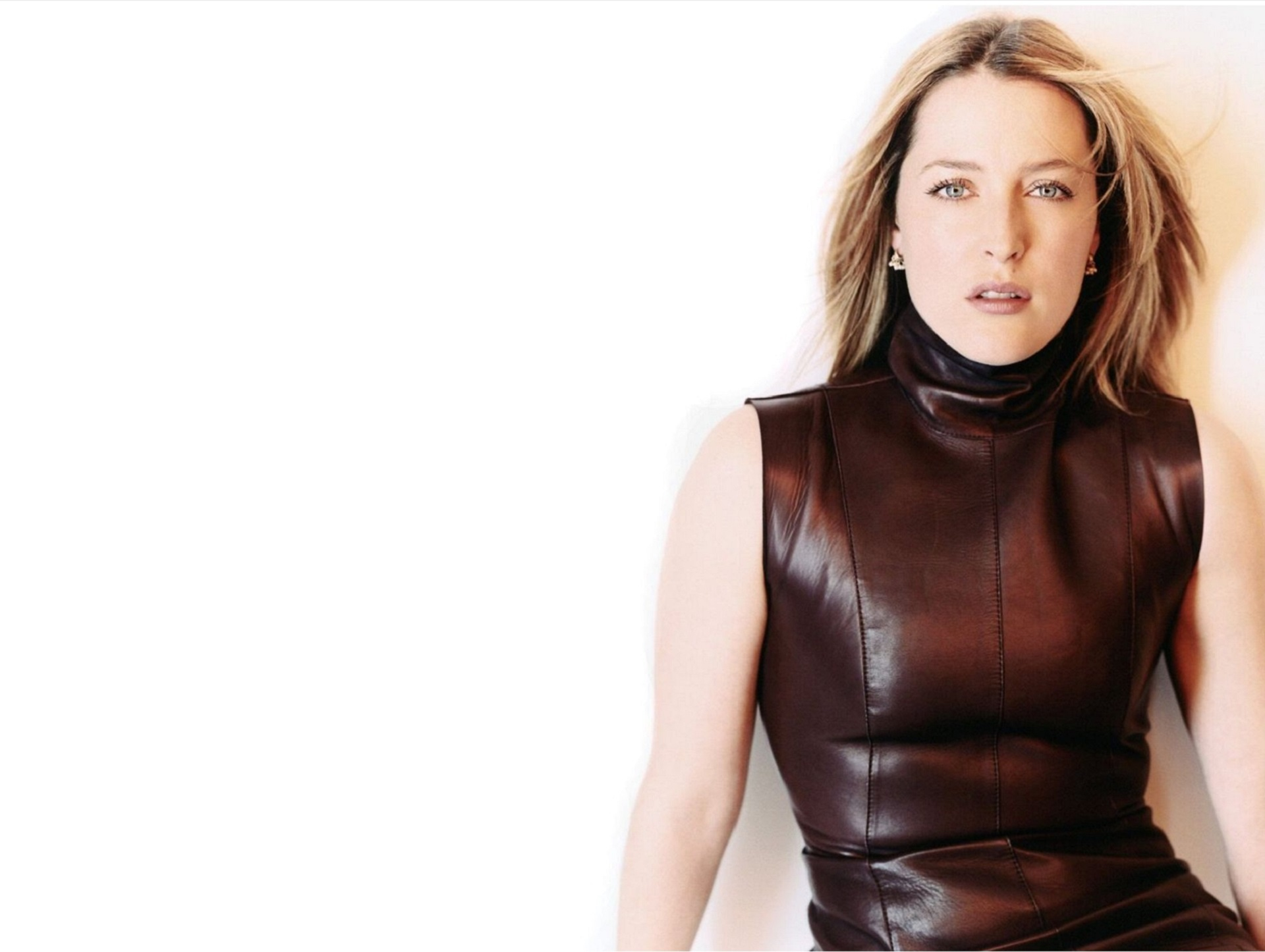 Pictures Of Gillian Anderson