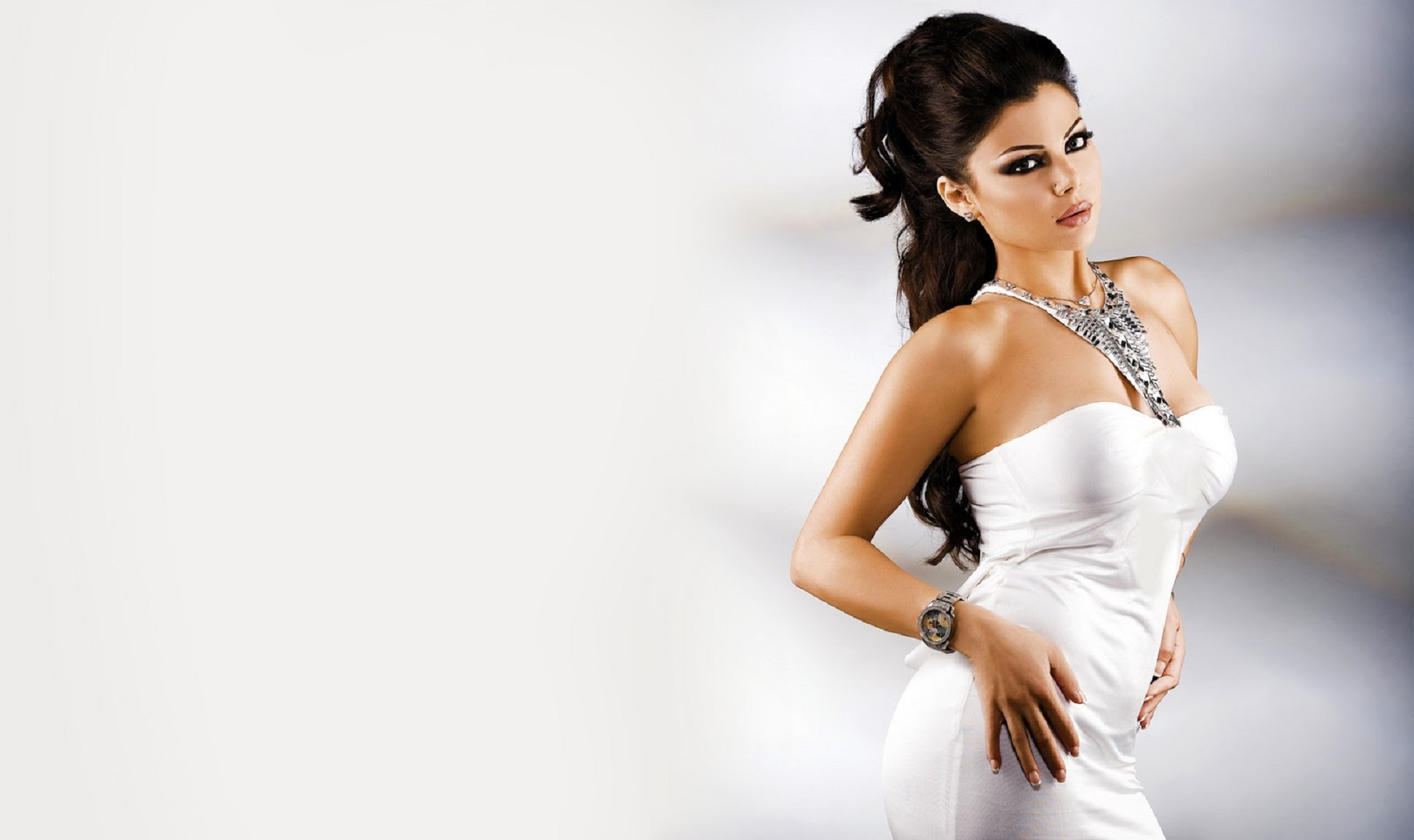 Pictures Of Haifa Wehbe
