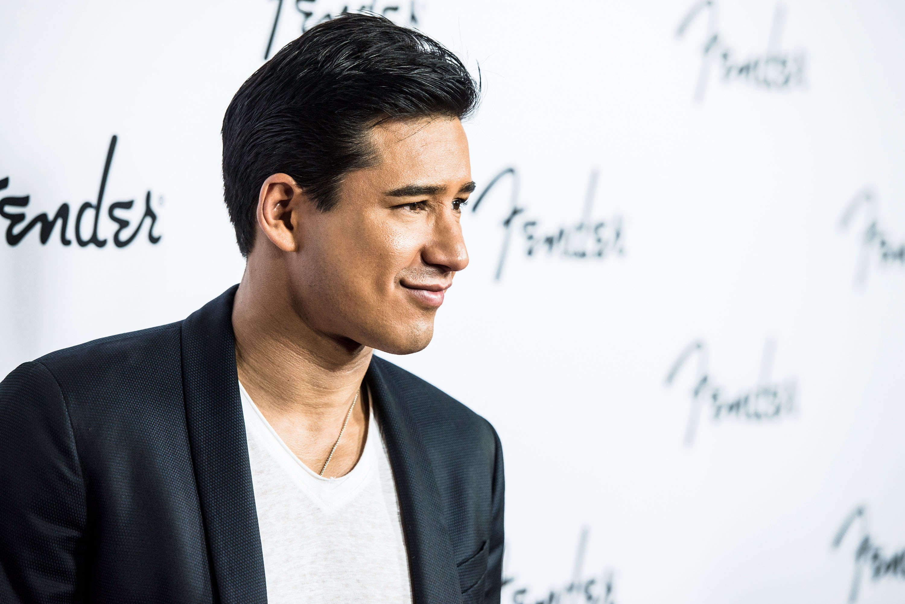 Pictures Of Mario Lopez