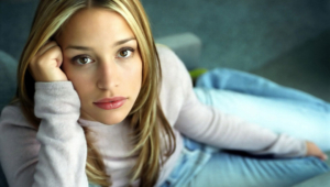 Pictures Of Piper Perabo