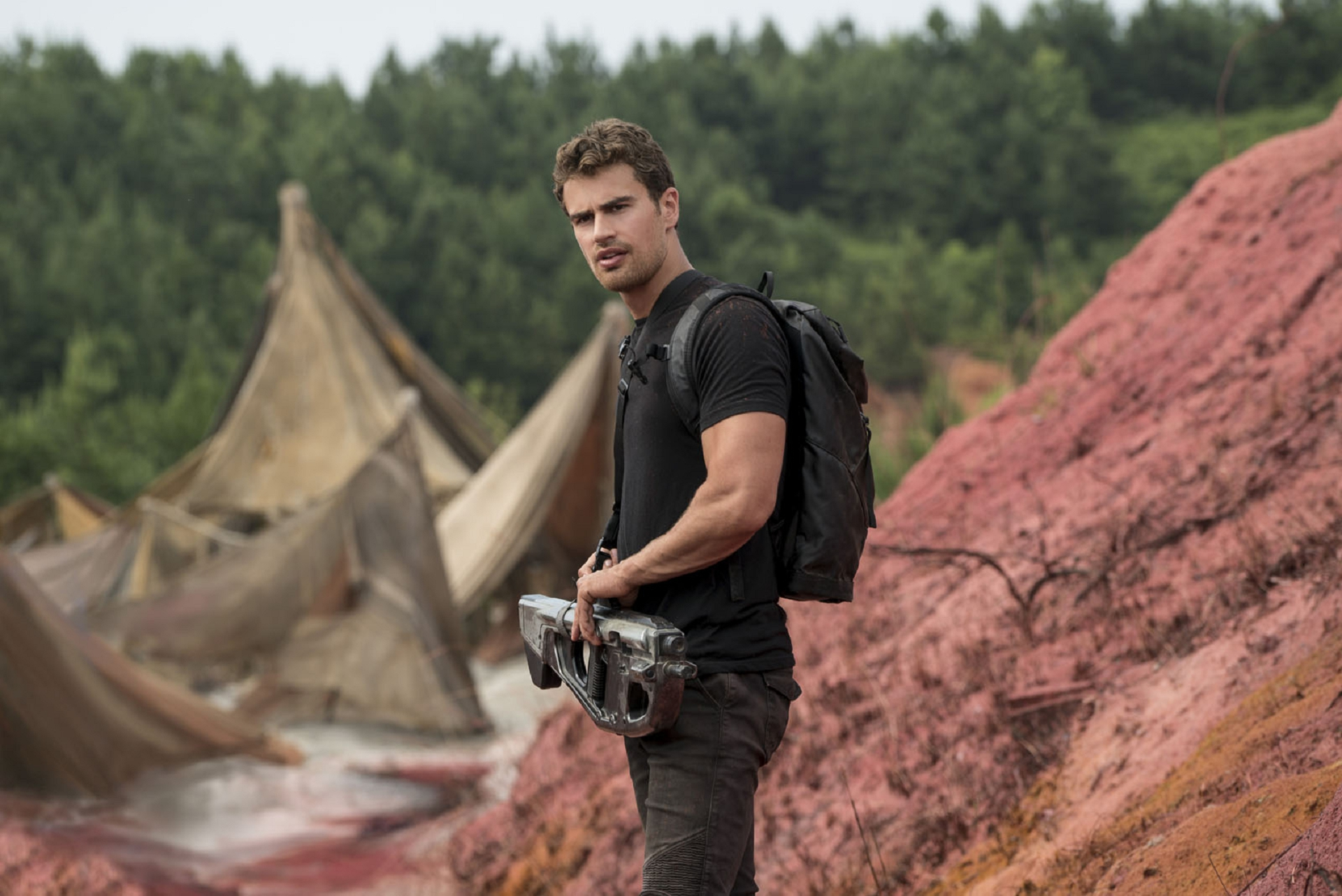 Pictures Of Theo James