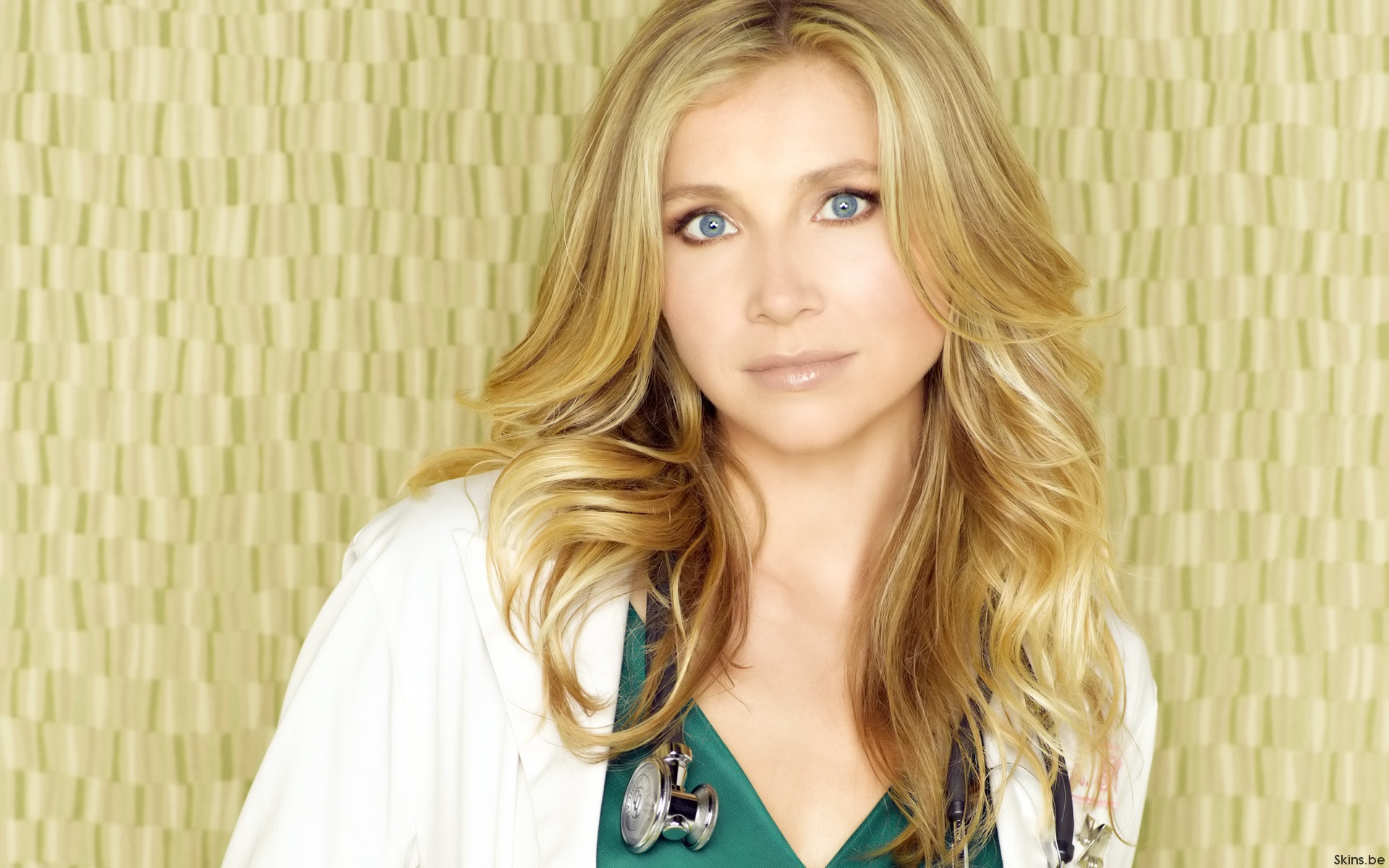 Sarah Chalke Wallpapers Hd
