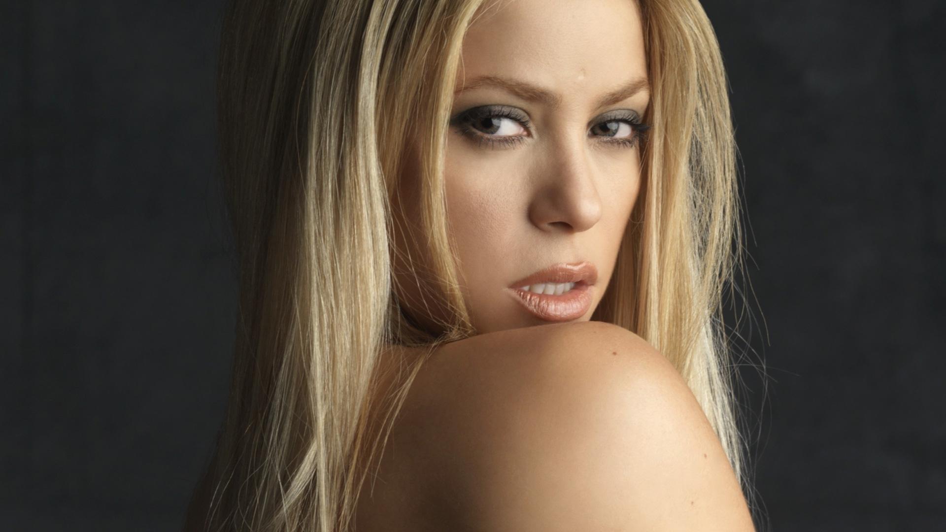 Shakira Wallpaper For Laptop