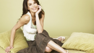Teri Hatcher Background
