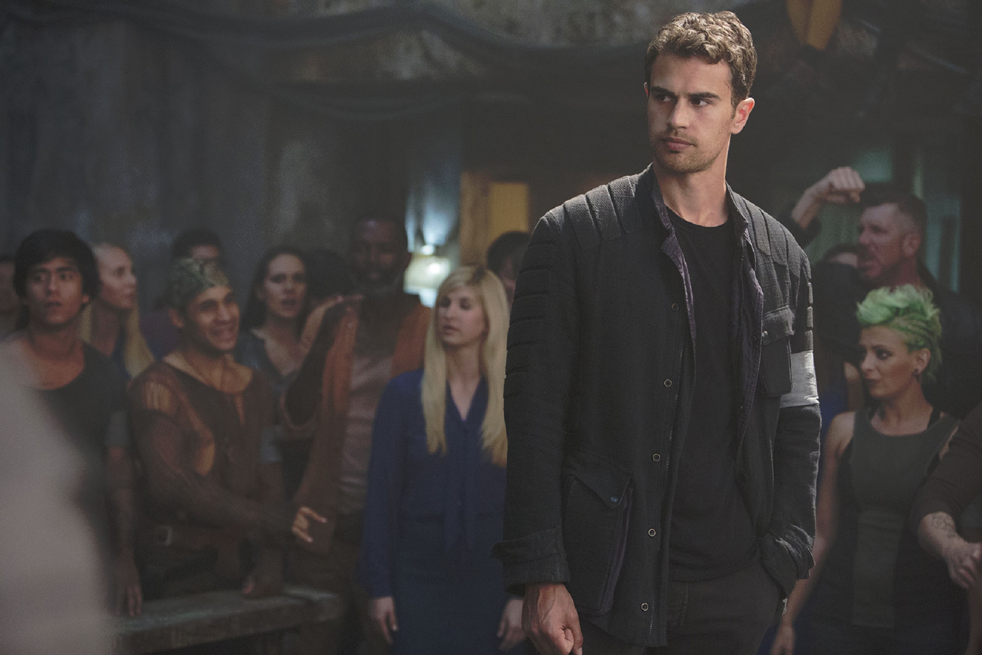 Theo James Pictures