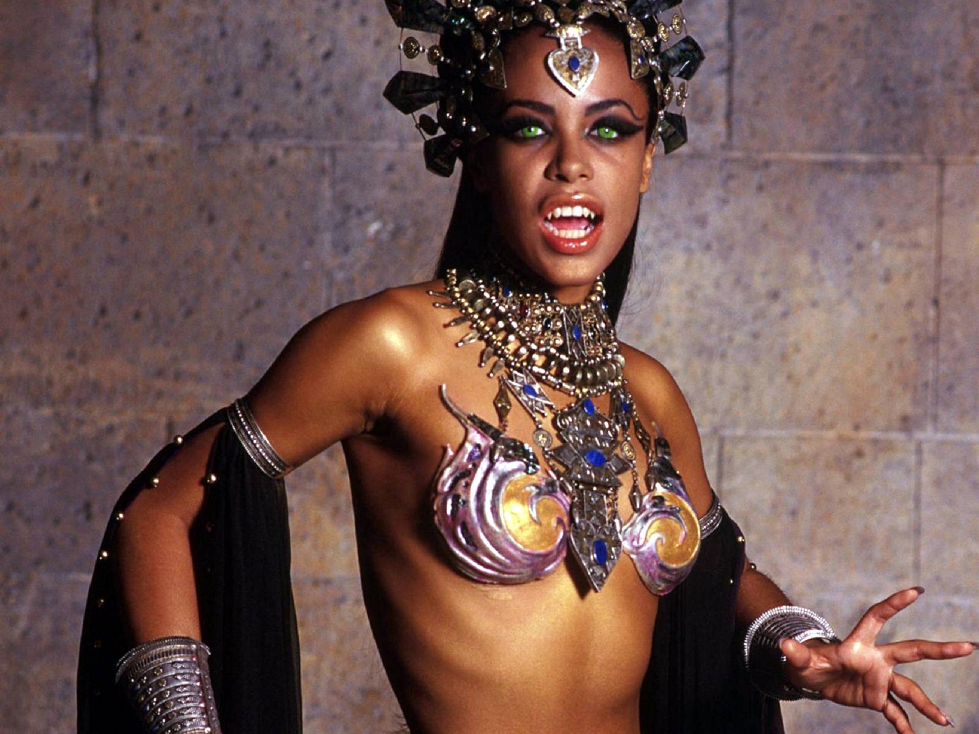 Aaliyah For Desktop