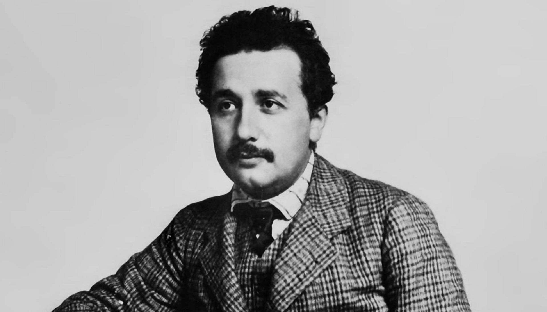 Albert Einstein Widescreen