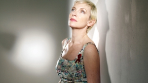 Annie Lennox Hd Background
