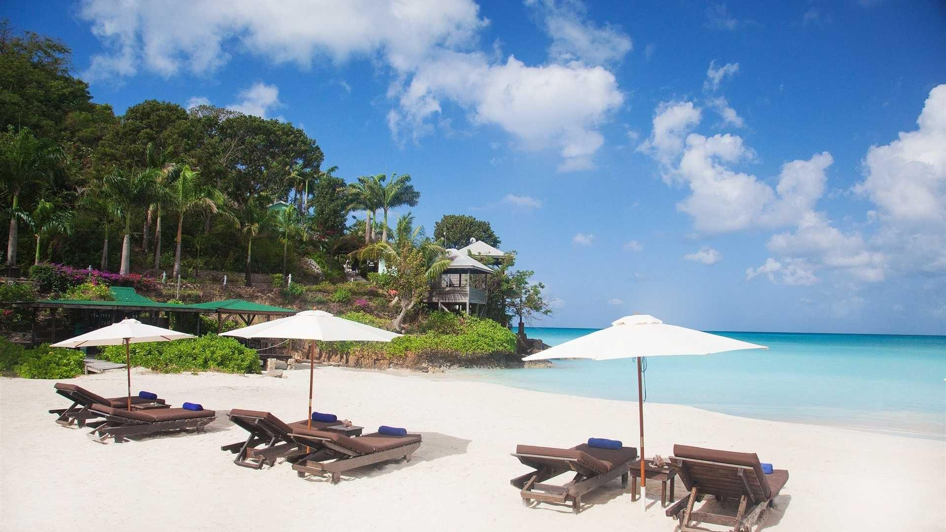 Antigua Widescreen