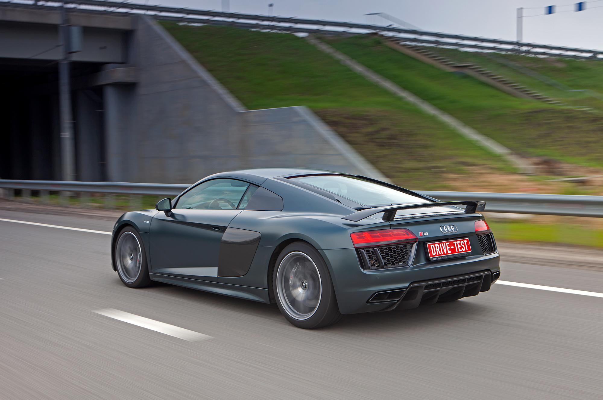 Audi R8 V10 Wallpapers Hd