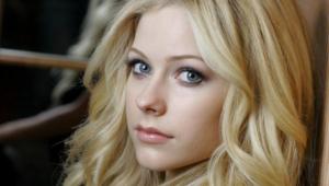 Beautiful Blondes For Desktop