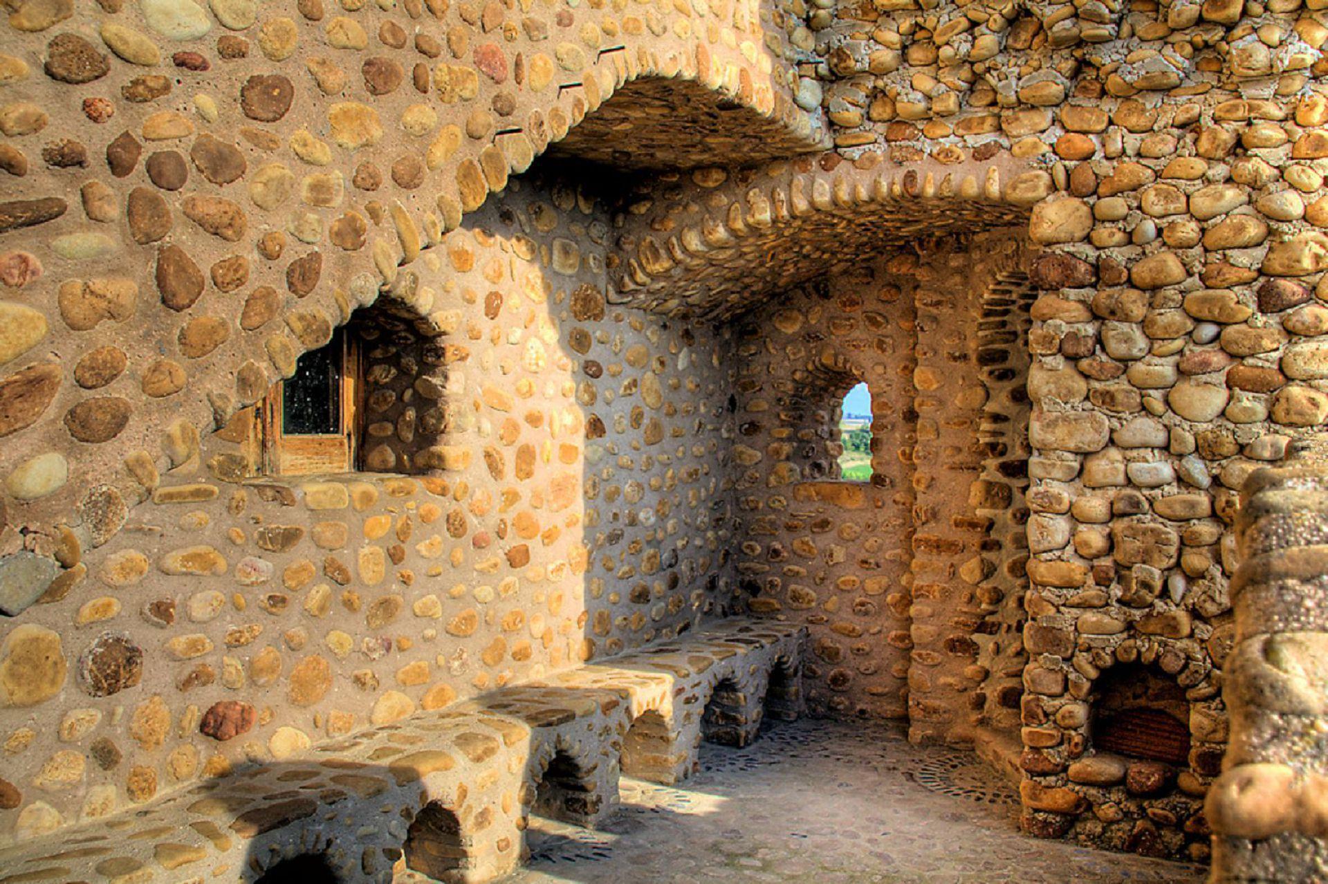 Castillo De La Cueva Photos
