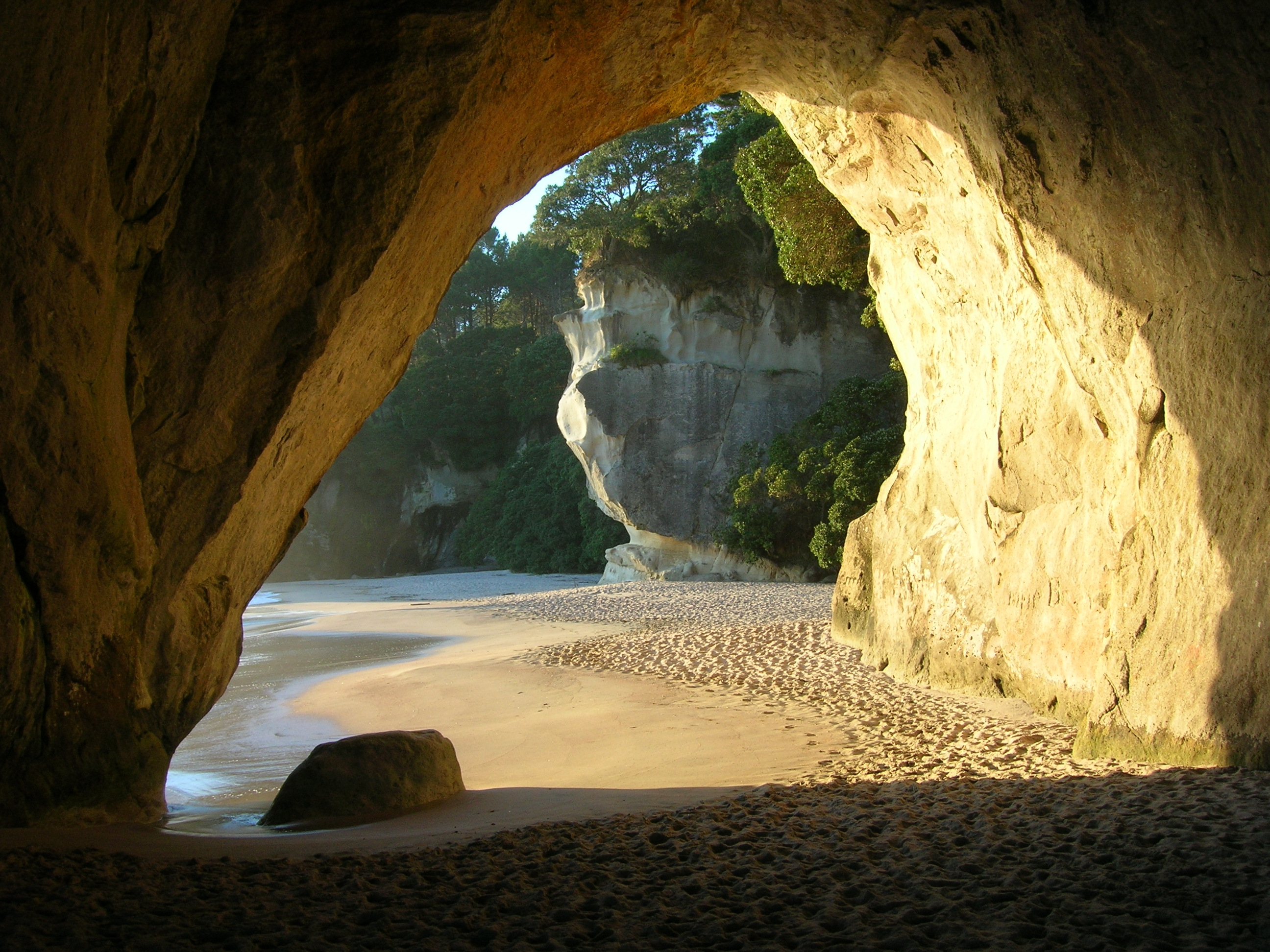 Cathedral Cove Hd